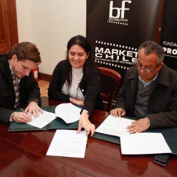 Fundación y Market Chile firman convenio de colaboración