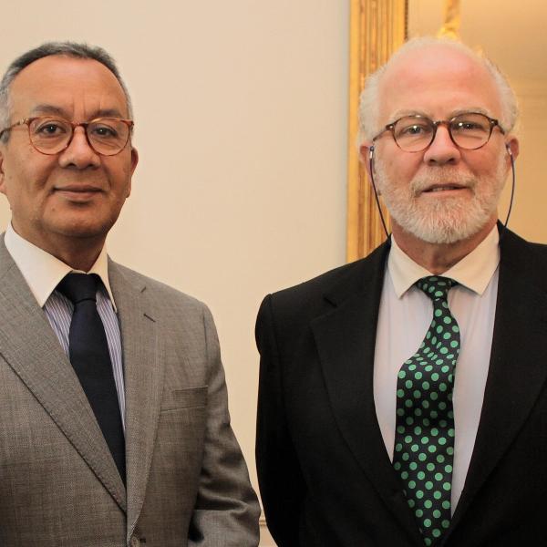 El director ejecutivo de la Fundación Cultural Manuel Ahumada junto al Embajador de Portugal António Luís Peixoto Cotrim