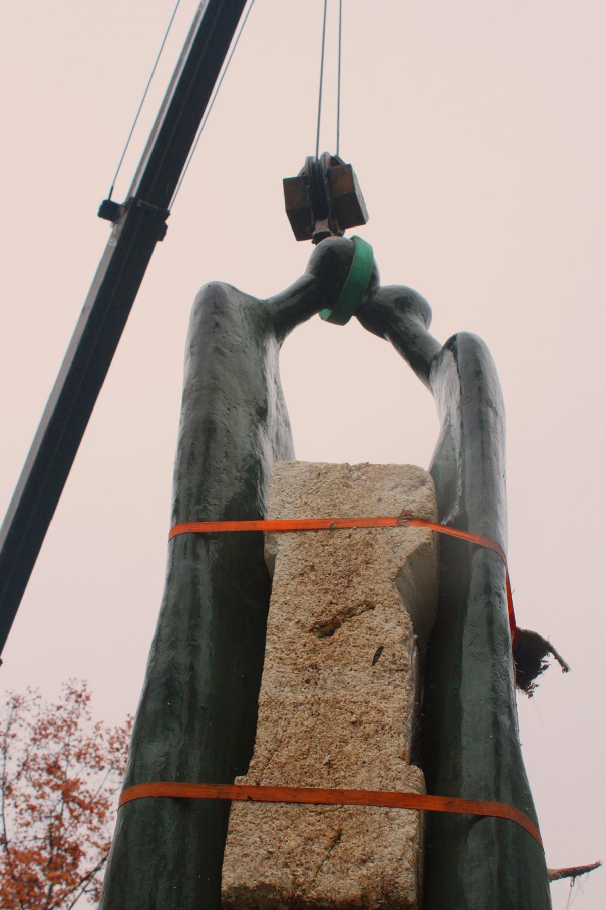 Monumental_Escultura_Mario_Irarrazabal3