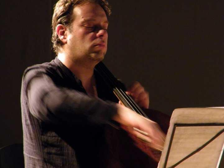 30Claudio Santos, cello